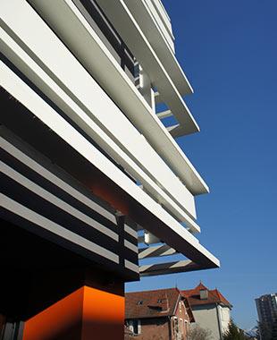 Restructuration des locaux de Pôle Emploi de Montmélian - Equipement – restructuration – rénovation énergétique – agencement intérieur – accessibilité – Bâtiment industriel – brise-soleil