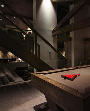 Rénovation d'un chalet à Méribel - Rénovation haute gamme – Spa intérieur – Salle de cinéma – Hammam – Réaménagement complet – Chalet de luxe – Rénovation chalet – Espace forme